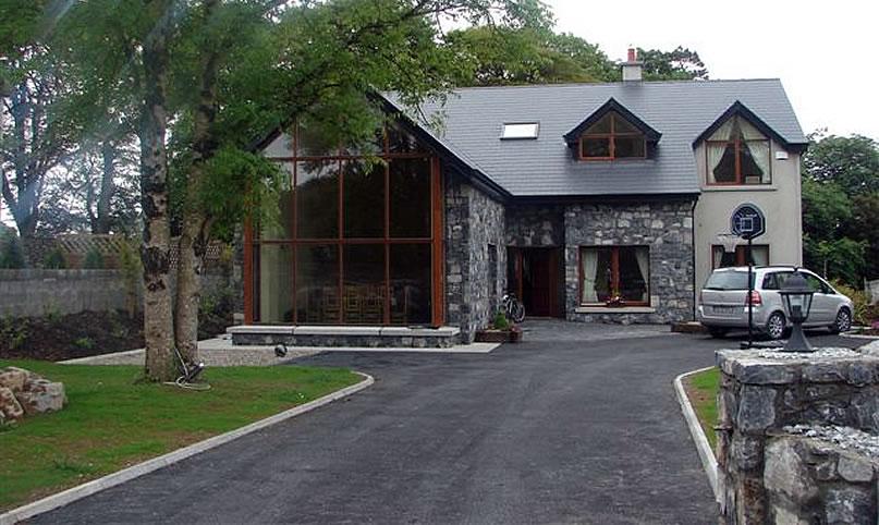 suburban-house-clare